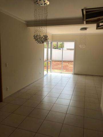 Casa / Condomínio - sobrado em Ribeirão Preto Alugar por R$3.400,00