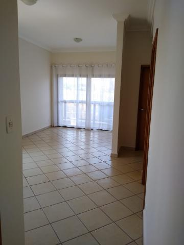 Apartamento / Padrão em Ribeirão Preto Alugar por R$1.200,00