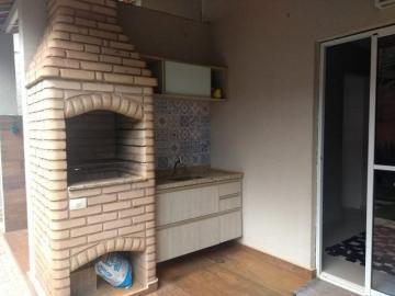Alugar Casa / Condomínio - sobrado em Ribeirão Preto. apenas R$ 2.100,00